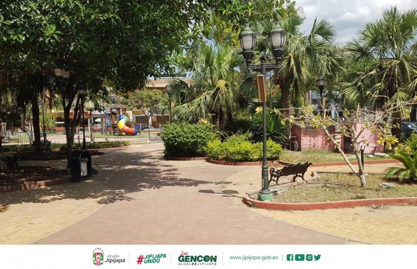 Mantenimiento de Parques y Áreas Verdes